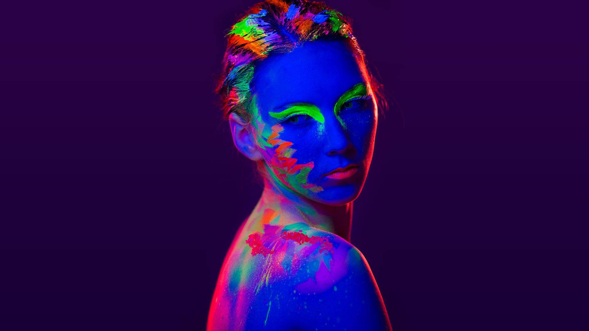 Vibrant Glow In The Dark Makeup Look