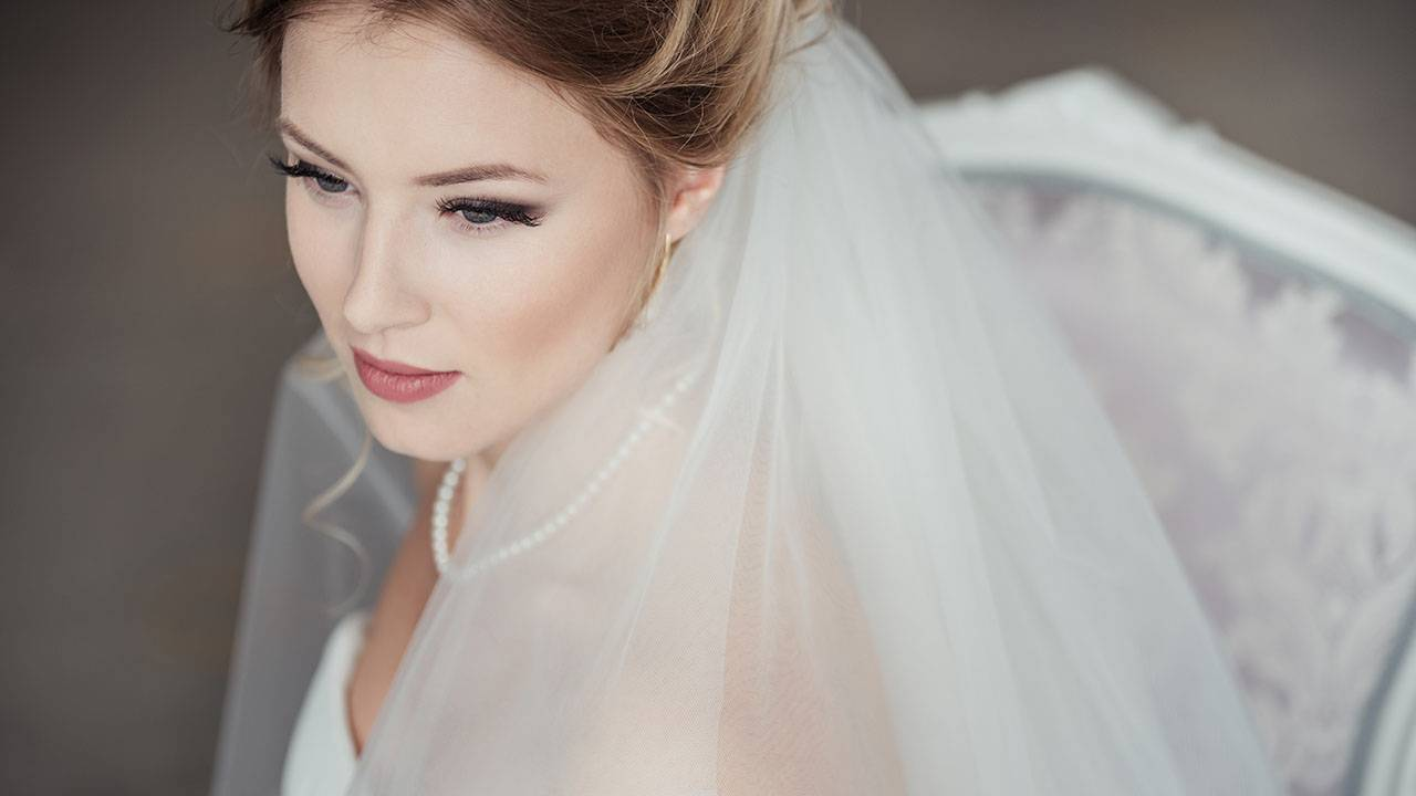 Best Wedding Makeup Idea For Blue Eyes